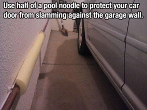 life-hack-cars-garage-pool-noodle