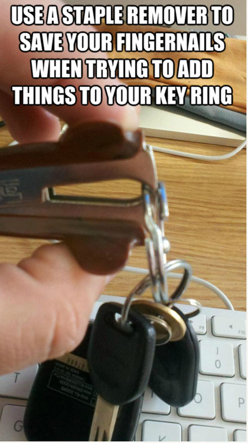 life-hack-cars-staple-remover-open-key-ring